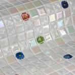Mosaic Tile Topping Flowers - Ezarri