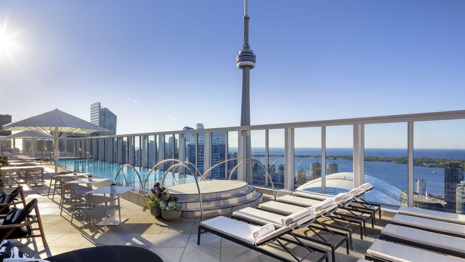 Ezarri-Bisha-Hotel-Toronto-Pool