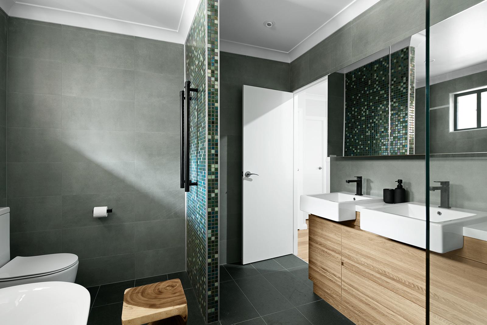 Ezarri DECO Design Interiors Bathroom