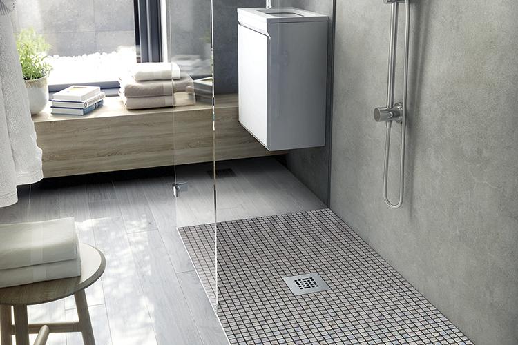 Comment nettoyer la mosaïque Ezarri dans la salle de bain?