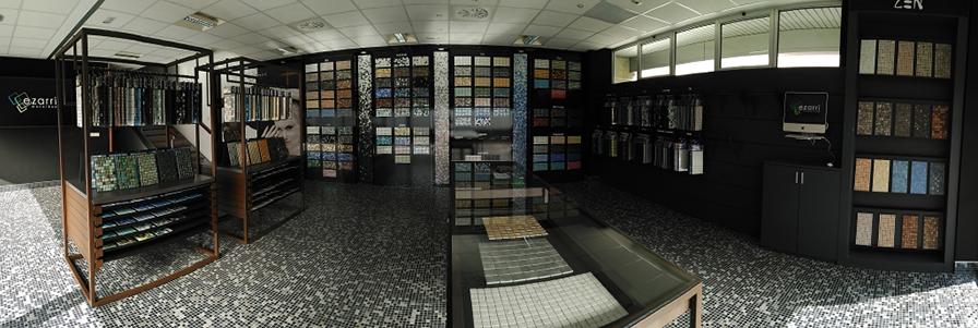 Showroom Ezarri, apertura y visita de diseñadores de interior de Bizkaia