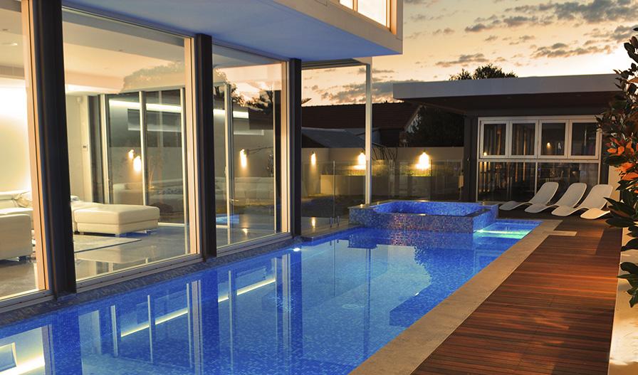Gresite para piscinas o mosaico v treo ventajas ezarri for Gresite para piscinas