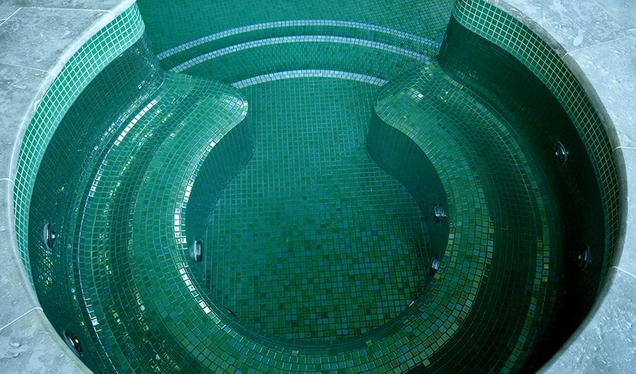 Gresite para piscinas o mosaico vítreo: ventajas - Ezarri