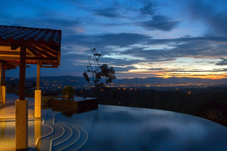 Hacienda Altagracia and Ezarri: A five-star hotel in Costa Rica