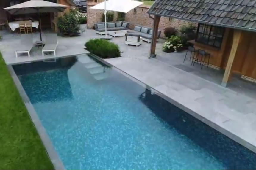Ezarri grey mosaic tile in a pool in northern Belgium