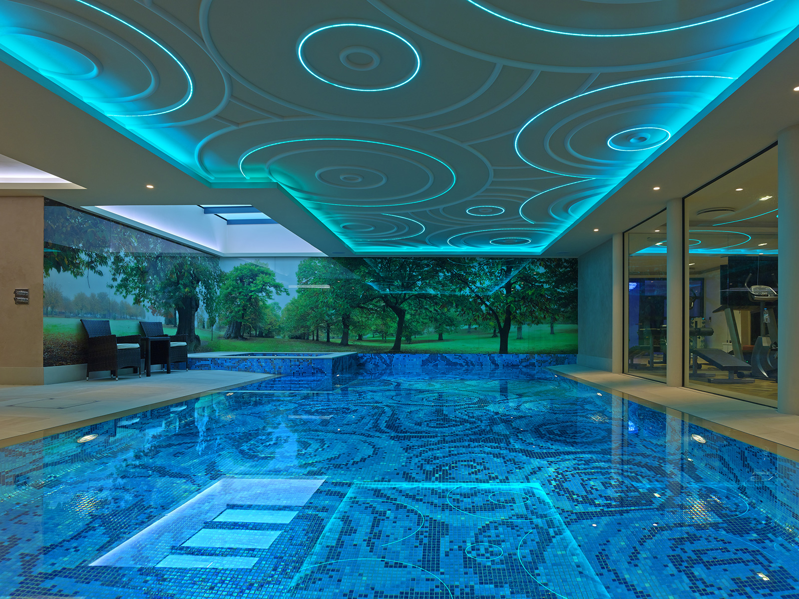 With Ezarri´s mosaic designs, you'll achieve the swimming pool you've always dreamed of