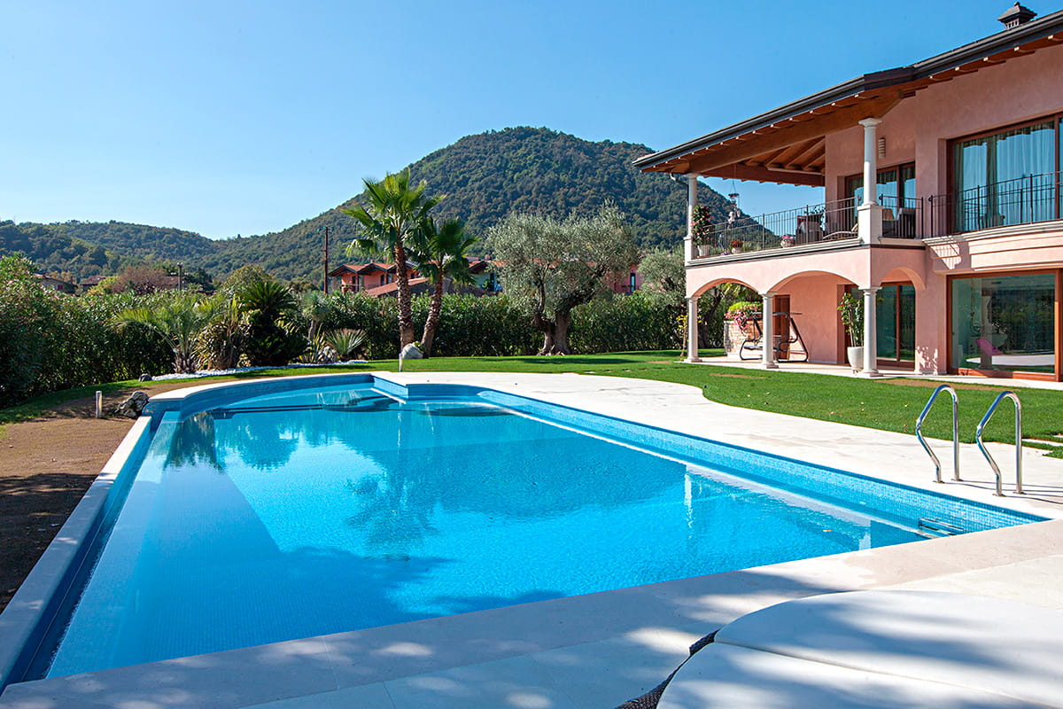 Azur Iris Collection Private Swimming Pool In North Italy