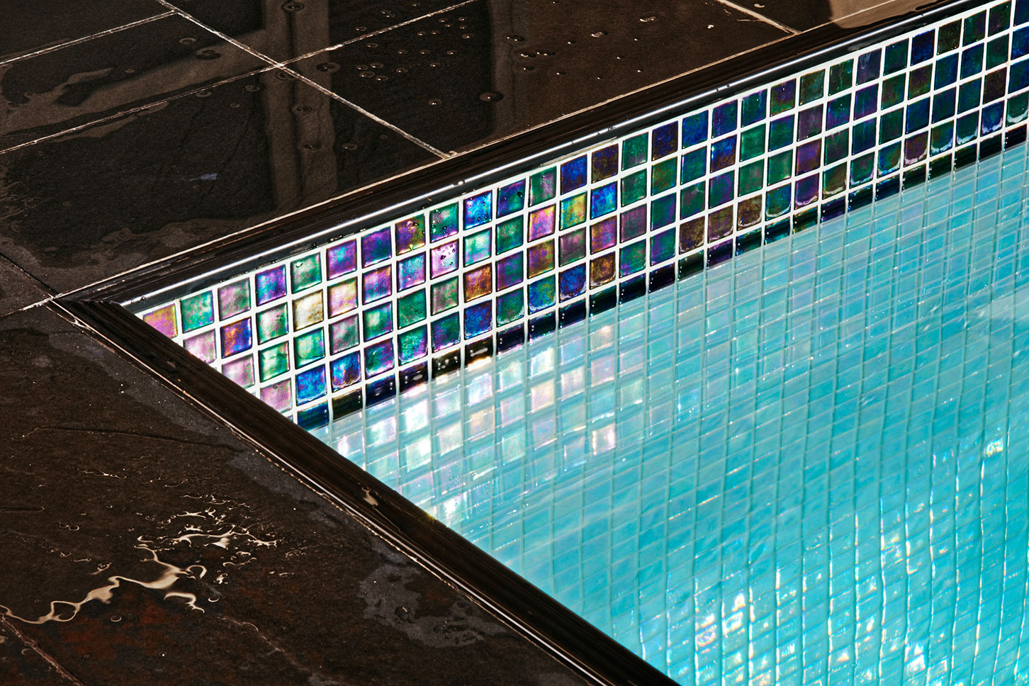 Swimming pool glass mosaic tiles suppliers in uae tile designs for Swimming pool supplier malaysia